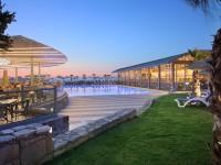 Arina Beach (hotel)